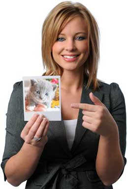 Girl with photo of kitten